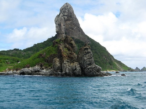5 Best Places for a Honeymoon - Fernando De Noronha, Brazil