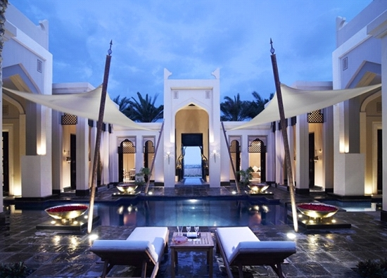 5 Luxury Hotel Resorts for a Romantic Getaway 3 - Royal Pool Villa