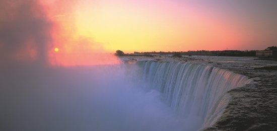 Romantic Holiday Destinations in Canada for Couples 4 - niagara_falls