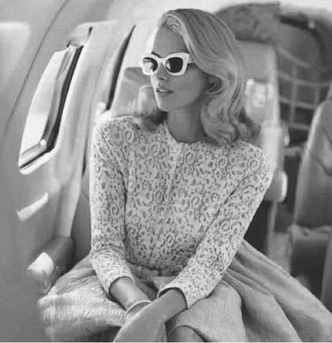 Make-up and Skin Care Tips for Long Haul Flights 1 - airplane-etiquette-manners