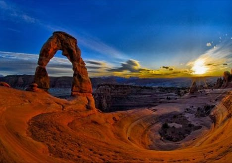 Moab - the Outdoor Paradise of Rock and Sun 2 - delicate-arch